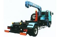 クレーン付きなら作業効率が大幅にUP! この1台でさらに多くの作業に対応します。