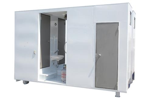 汚れた身体をお湯ですぐに洗い流せる。 シャワー付トイレコンテナ